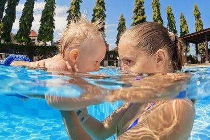 matronatacion, clases bebe natacion en piscina, recien nacidos, informacion, cuando pueden ir a la piscina