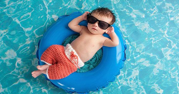bebe piscina infantil publica, consejos